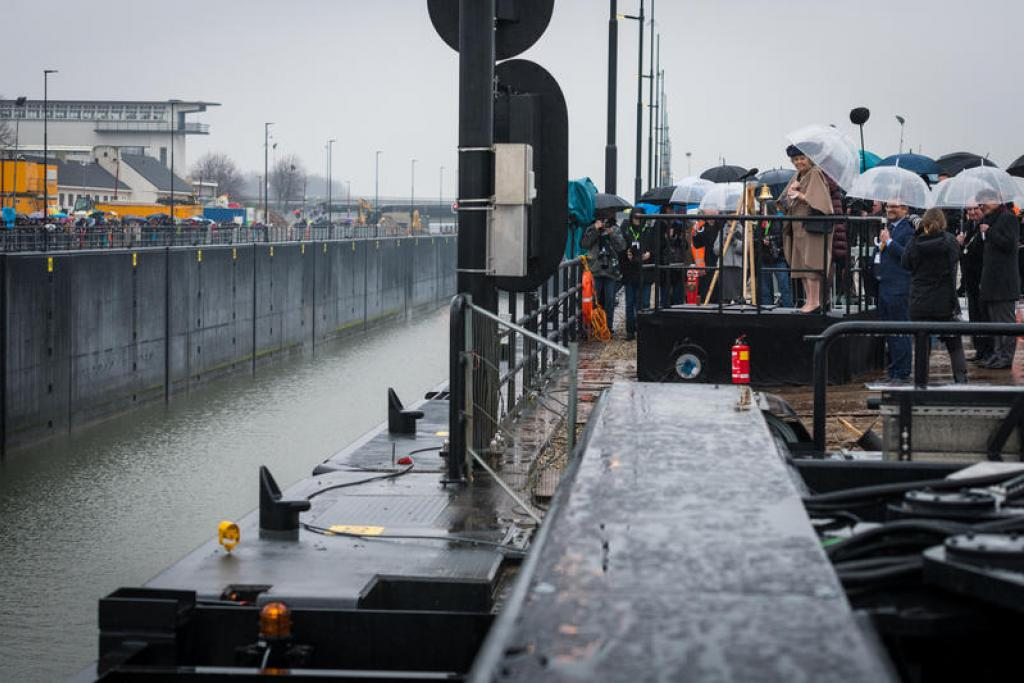 Dutch Princess Beatrix officially inaugurates the Princess Beatrix lock