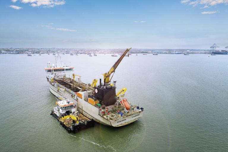 Dredging in Guayaquil impossible? then they don't yet know us.